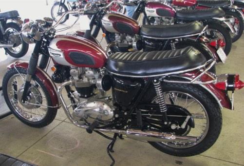 200-Class-202-1970-Triumph-Bonneville-T120R-Chris-Heck