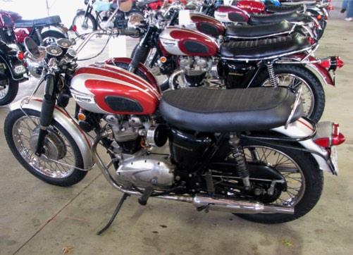 200-Class-204-1969-Triumph-Bonneville-T120R-Mike-Gruenwald